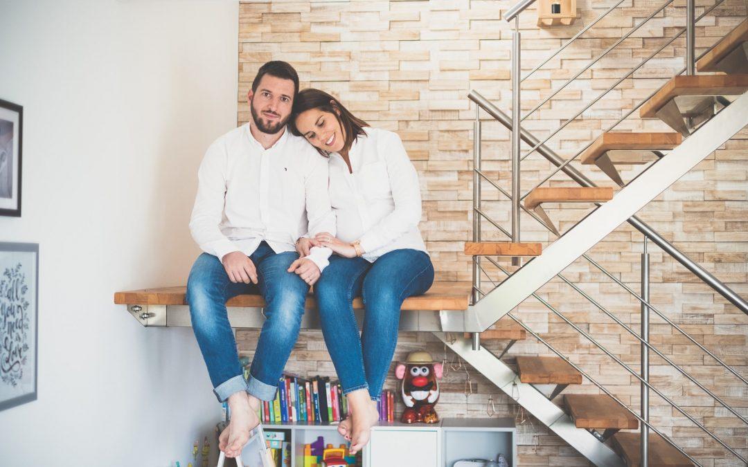 La séance photo grossesse : en studio, en extérieur ou à domicile ?